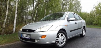 Ford Focus Mk1   4 900 PLN  2000  211 890 km  Benzyna  Sedan