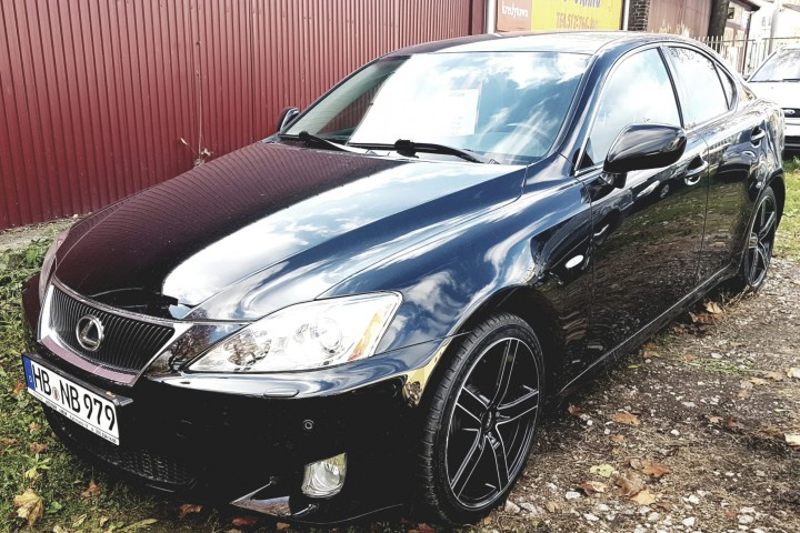 Lexus IS Prestige 2.5 benzyna